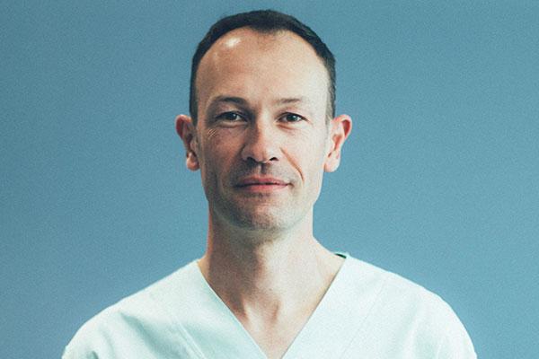 Dr Grégory Hubin